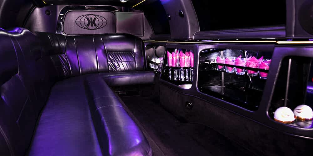 8 személyes limuzin belseje