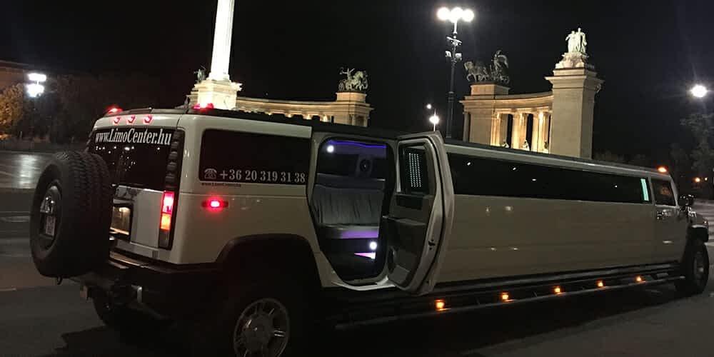 Hummer limuzin a Hősök-terén